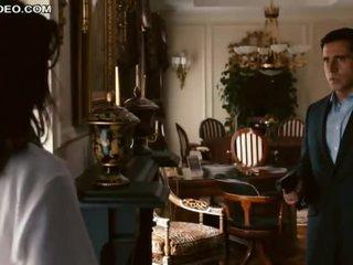 Heart-Stopping Brunette Celeb Anne Hathaway In Bonerific Lingerie