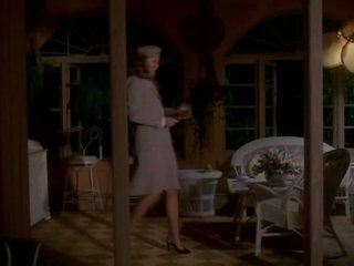 Stunning Blond Kathleen Turner Shows Her Sexy Long Legs In Stockings