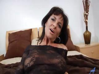 Hardcore milf gets mouthful of ball cream