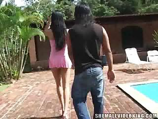 Leggy Lalin girl TS in outdoor madness