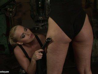 Kathia Nobili slut use whip to a horny babe