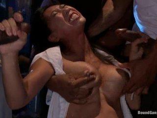 Sexy oriental Tia Ling gobbles down these manacondas