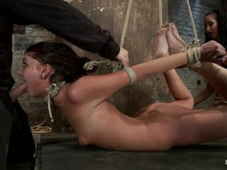 Sizzling Cassandra Nix slurps on this yummy prick