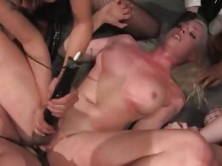 Alluring Lorelei Lee is dicked up her wet clunge