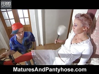 Isabella&Peter pantyhose mom on video