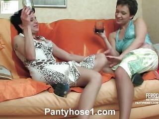 Sheila&Renee lesbian pantyhosers in action