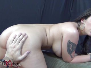 gorgeous melina spins the wheel and gives head