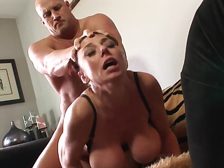 Mature cougar experiences special pleasure thank to bald fucker