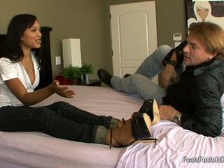 Psychotherapist rhianna ryan foot-fetish therapy